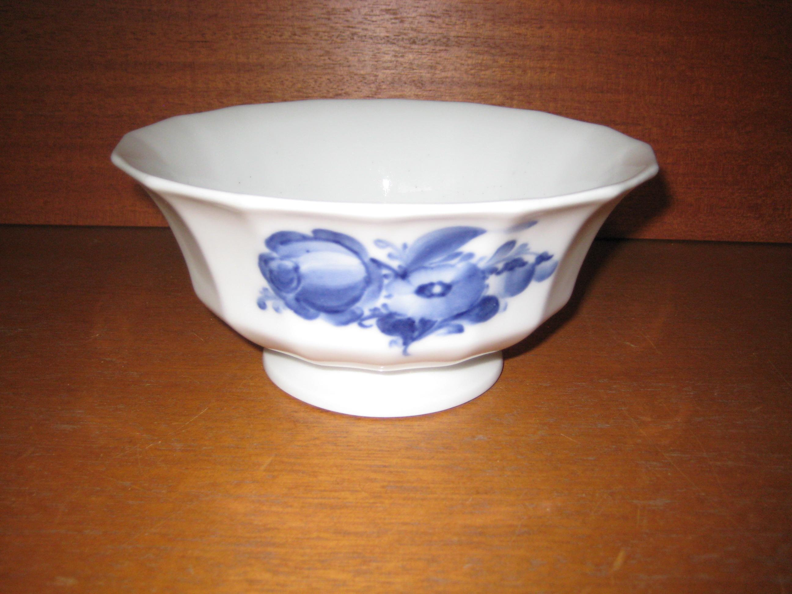 Blå Blomst kantet skål