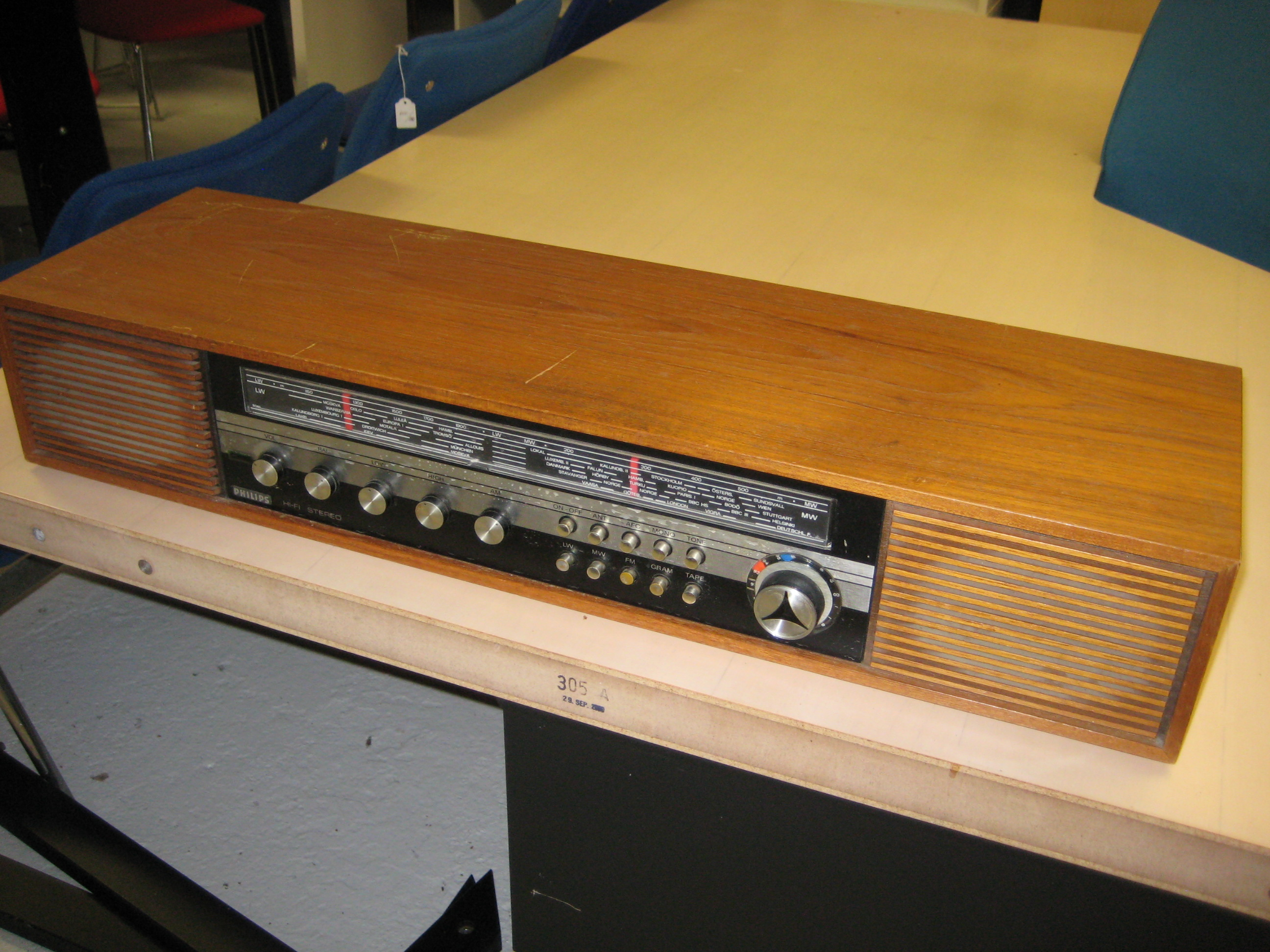 Philips stereo radio