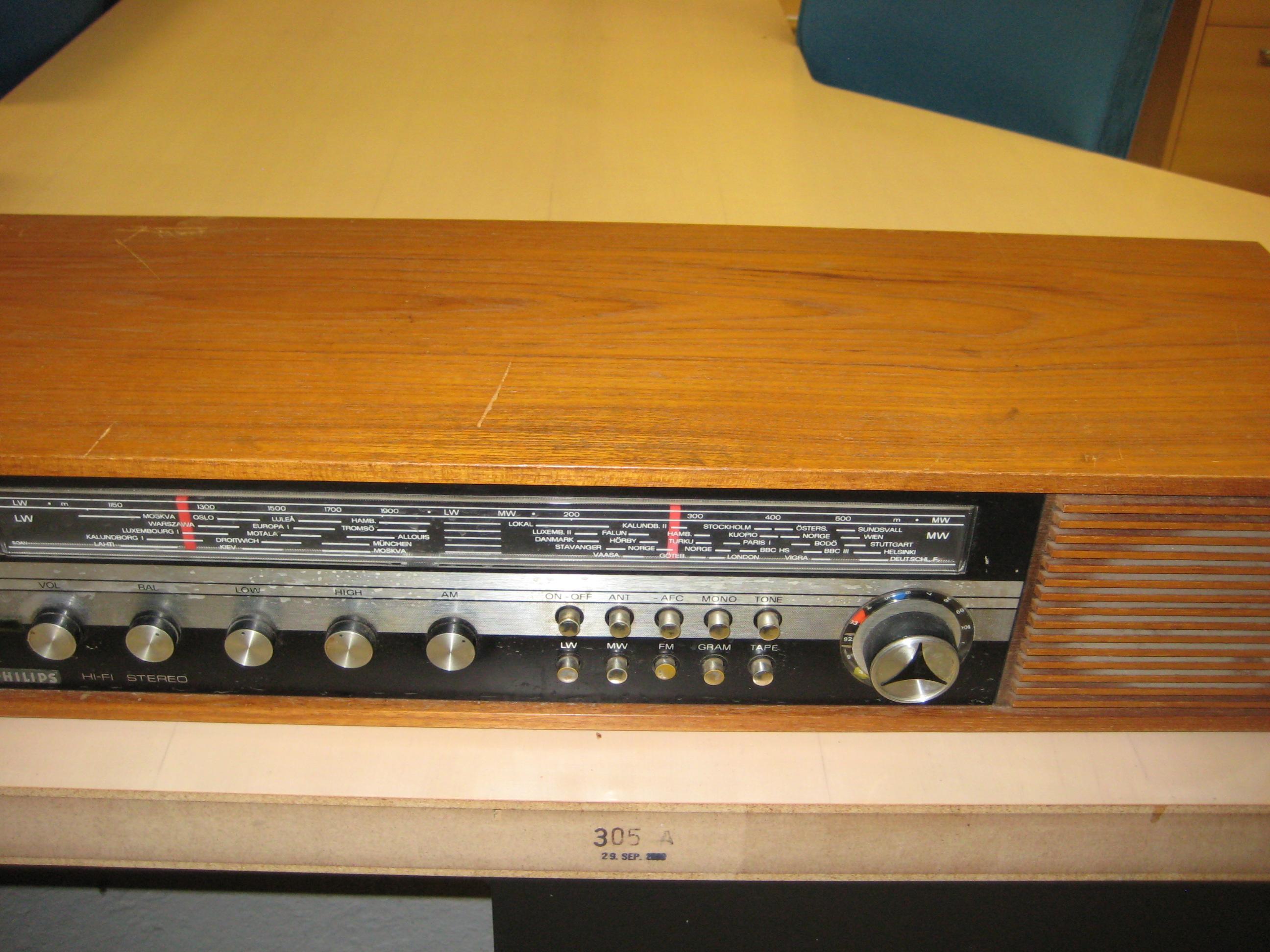 Philips stereo radio