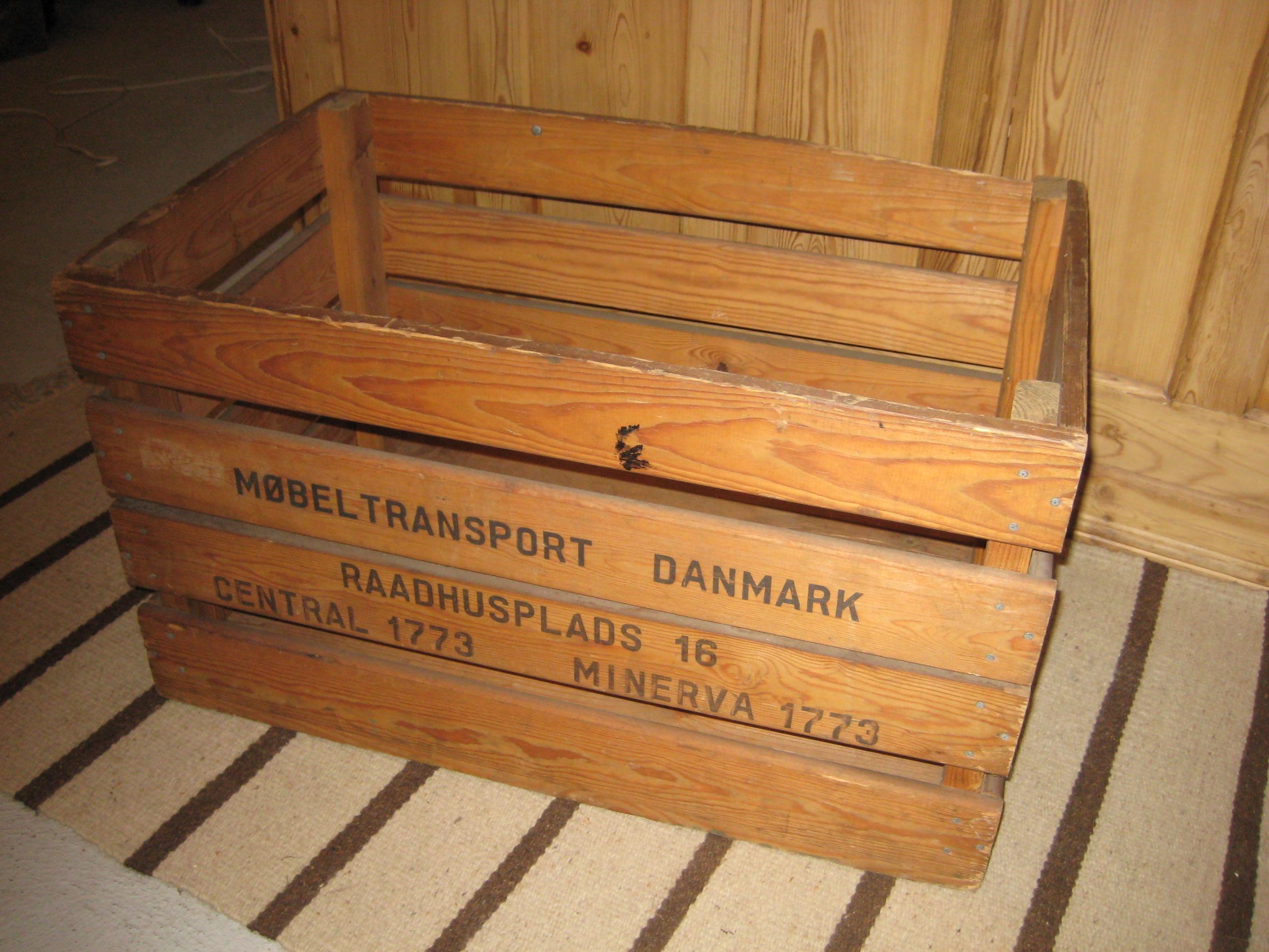 Flyttekasse Møbeltransport Danmark