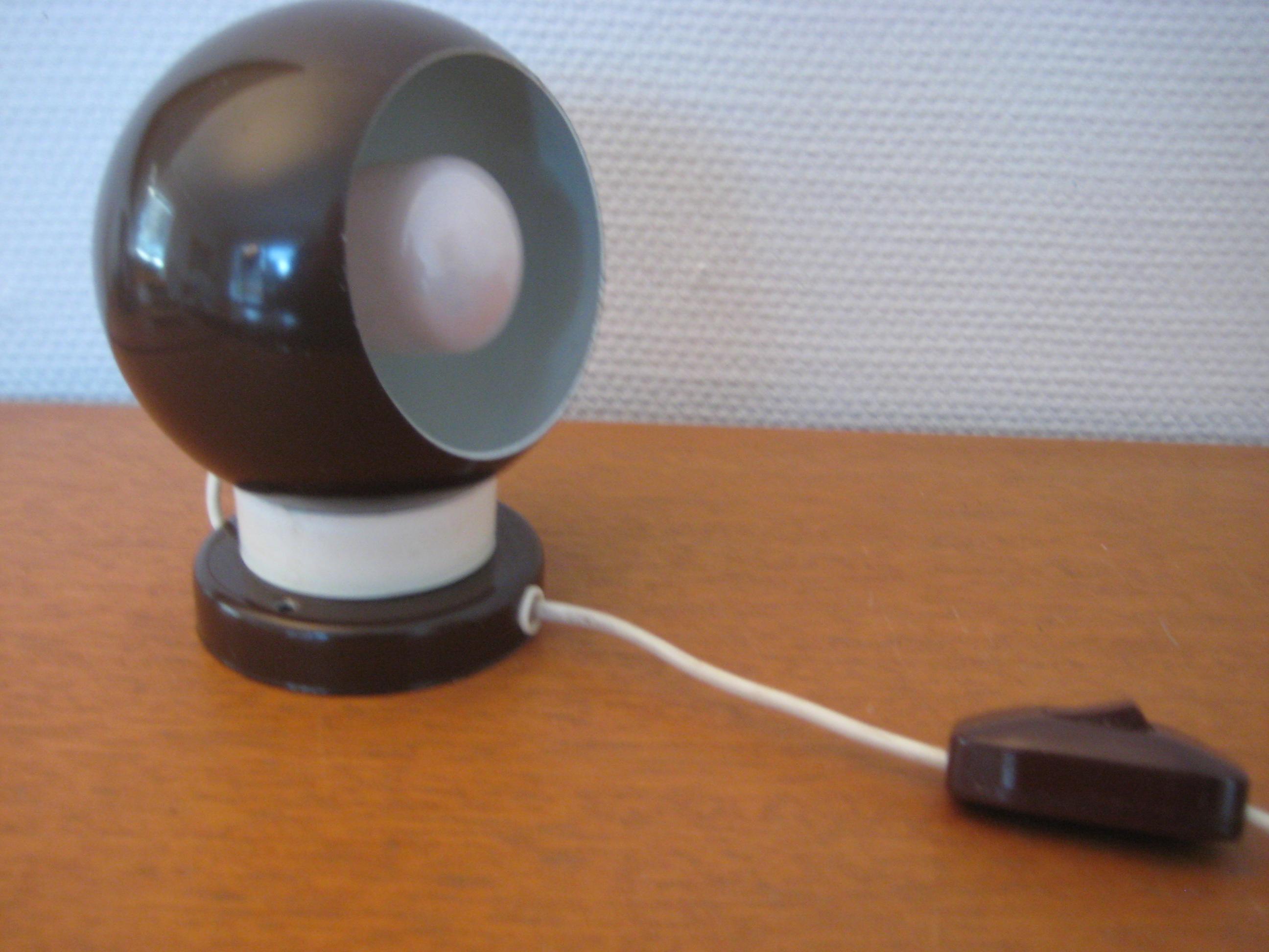 Kuglelampe med magnet, brun