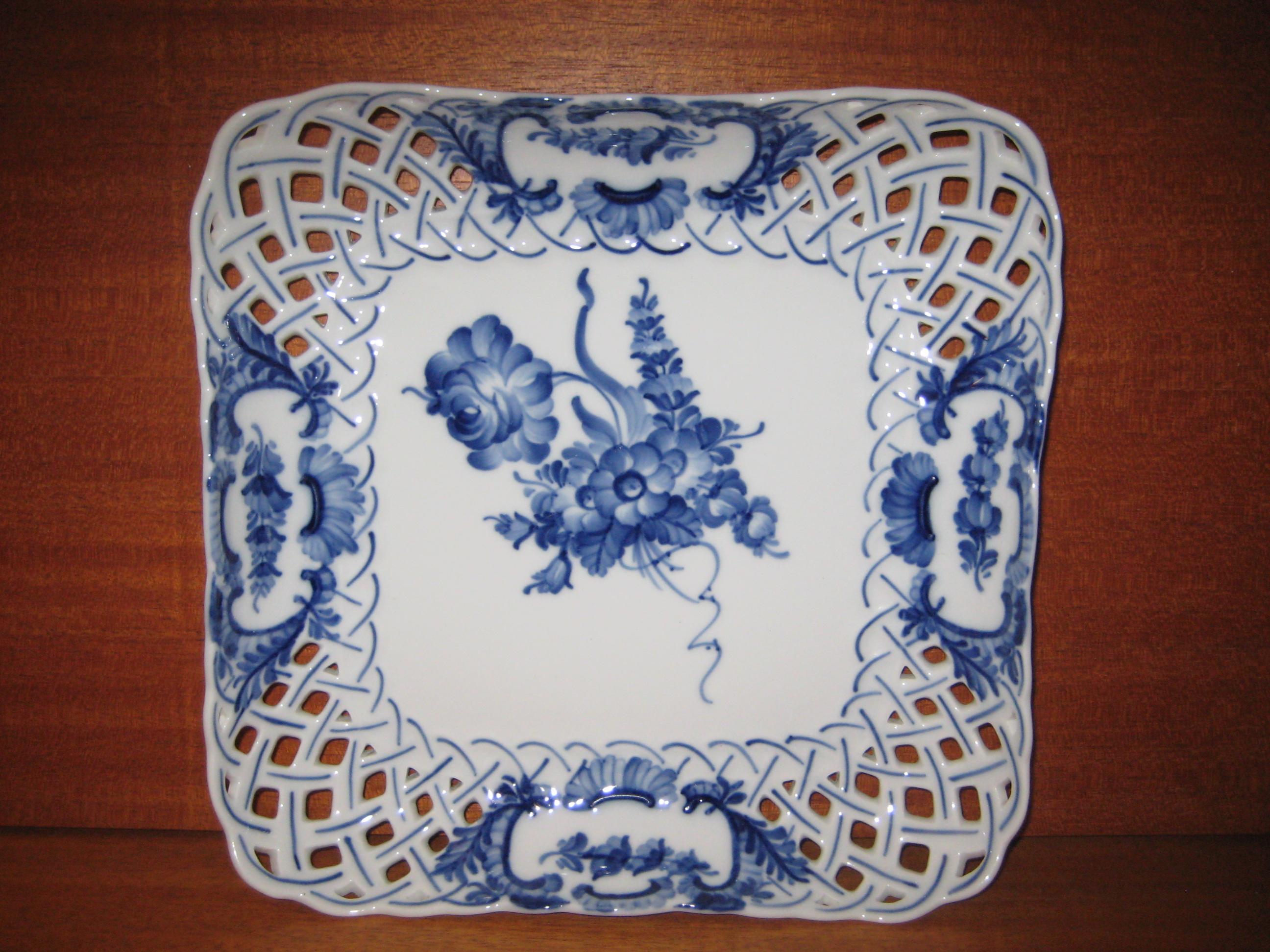 Blå Blomst fad med huller