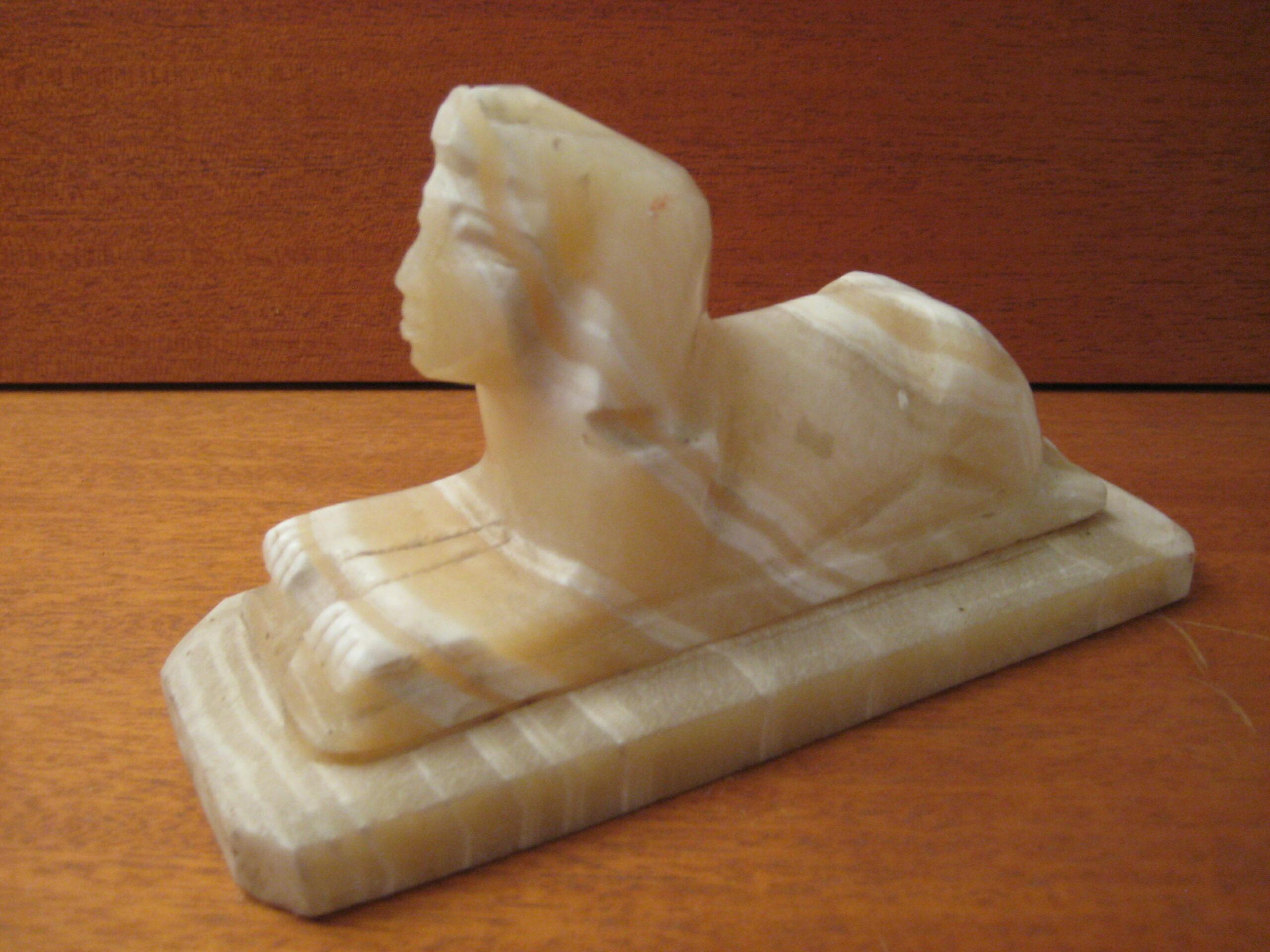 Alabasterfigur Sphinx