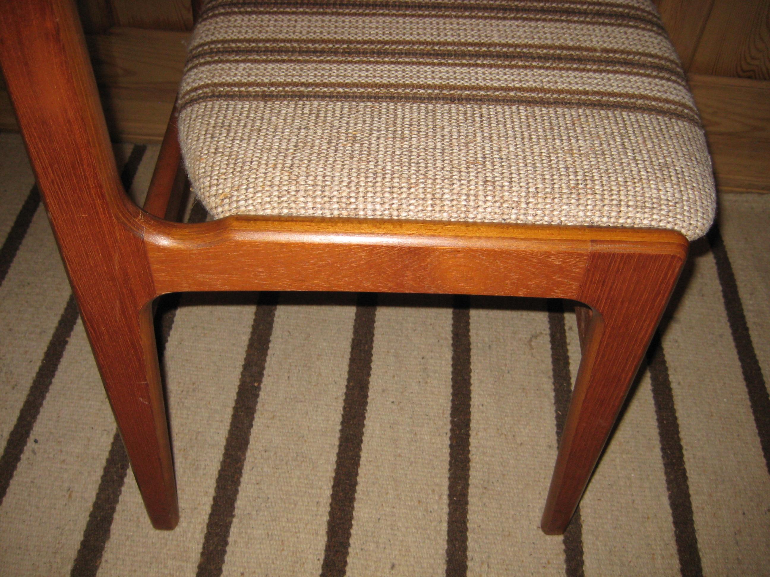 teak stol med armlæn