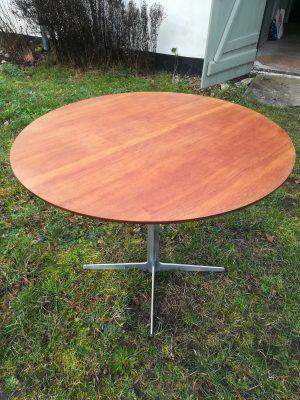Arne Jacobsen cafebord