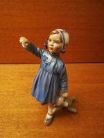 DJ Lille pige med bamse