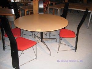 Eames spisebord 4 personer ø 130 cm